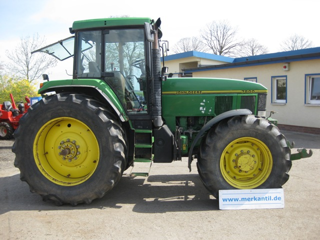 Utilaje agricole – oferta tractor John Deere 7800 second hand